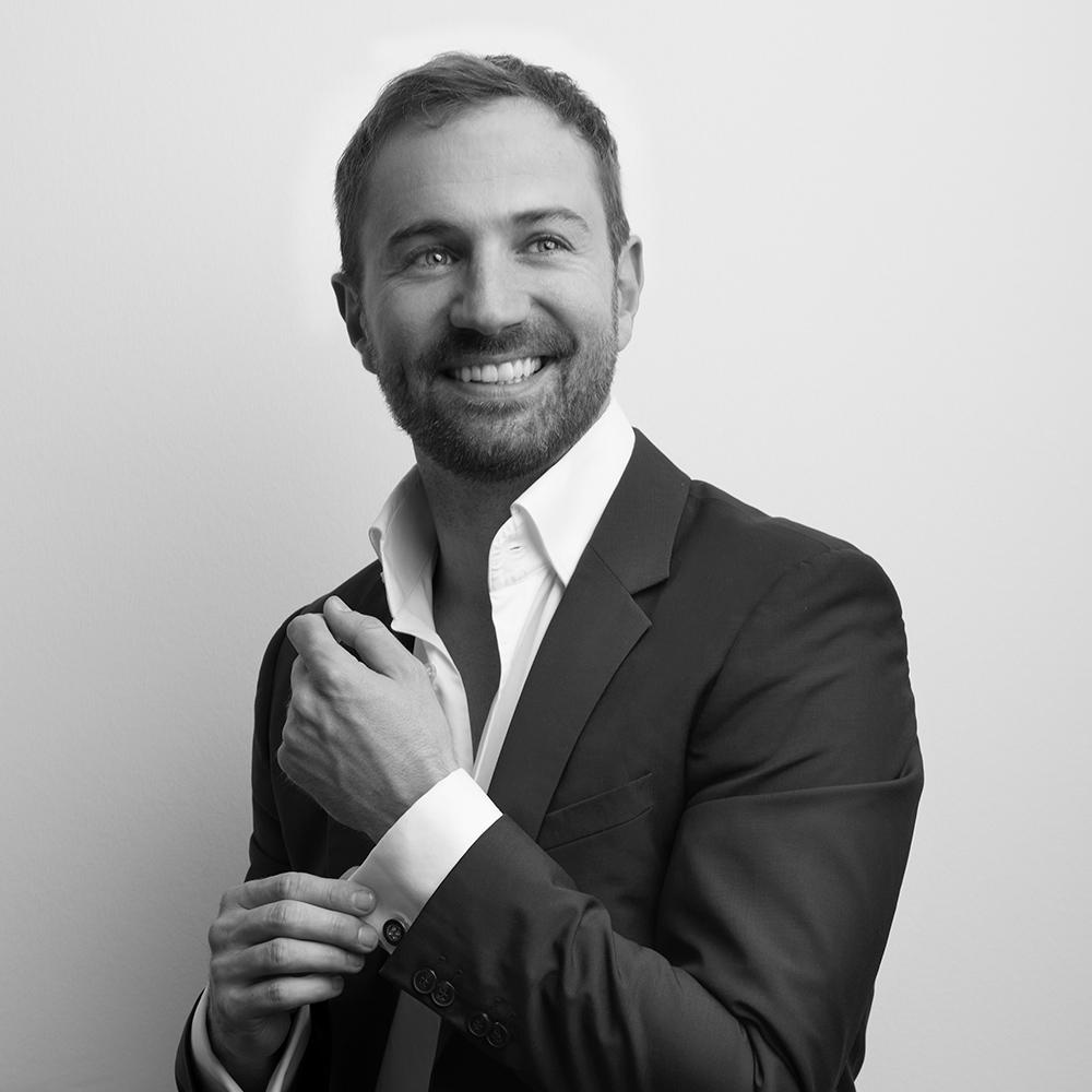 Keramikimplant-Profi: Dr. Pascu