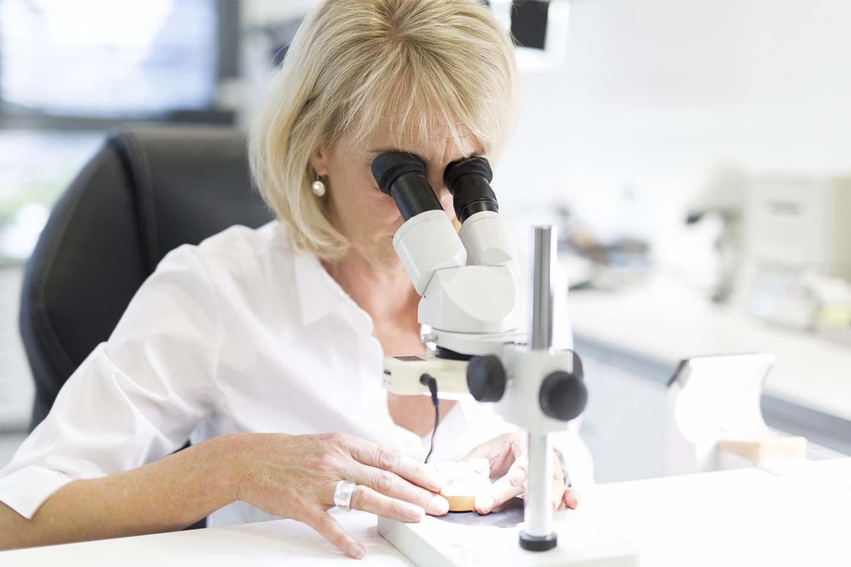 Modernste Technik in Verbindung mit innovativen Behandlungsmethoden: Wir bilden uns regelmäßig weiter, um Sie optimal behandeln zu können.