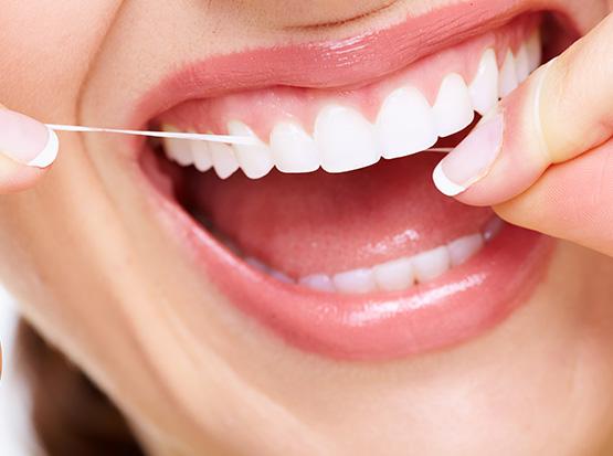 Professionelle Zahnreinigung für gepflegte Zähne